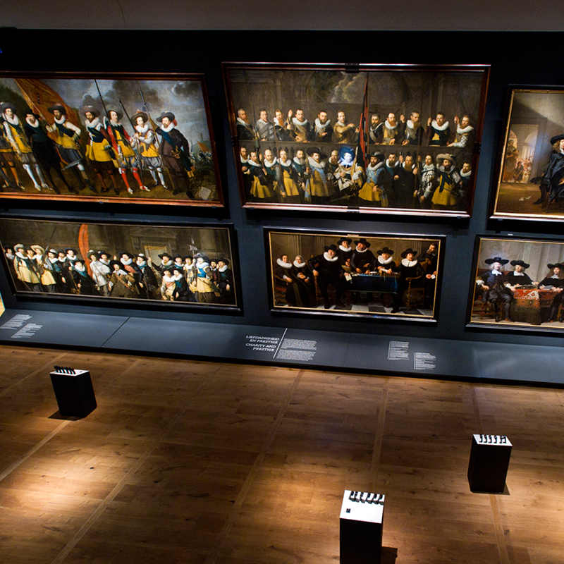 Aerial view of the Portrait Gallery of the Golden Age with huge paintings.